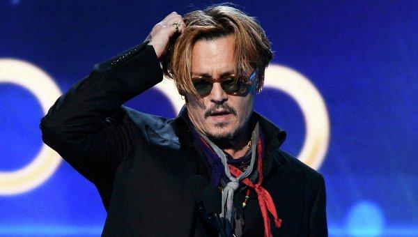 Актер Джонни Депп на церемонии вручения кинопремий Hollywood Film Awards