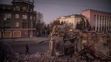 Вид на одну из улиц в Луганске