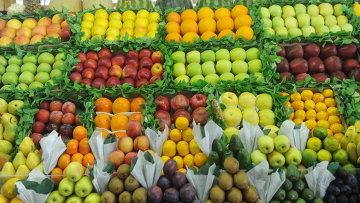 Прилавок с фруктами. Архивное фото