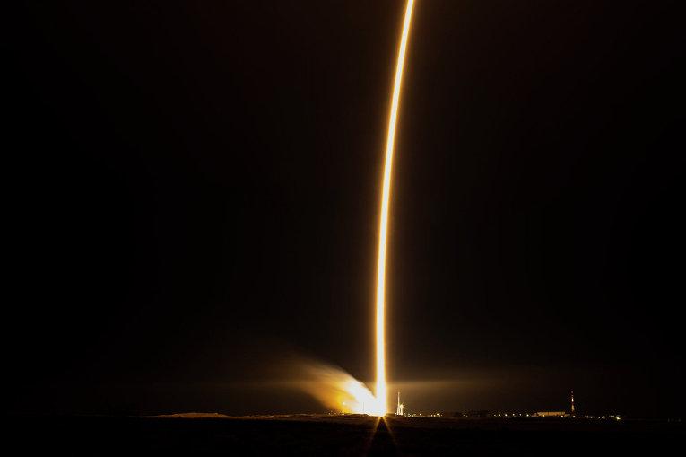 Старт ракеты-носителя Союз-ФГ с транспортным пилотируемым кораблем Союз ТМА-15М на космодроме Байконур