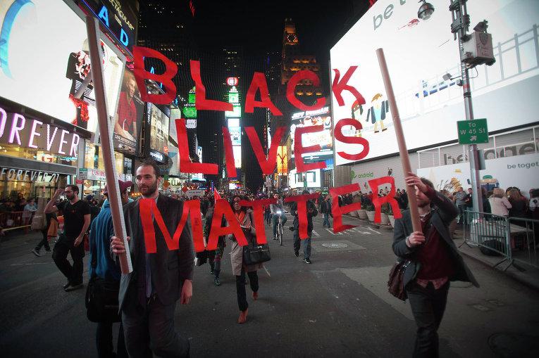 Демонстрация в Нью-Йорке по поводу приговора в Фергюсоне