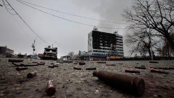 Площадь перед зданием Дома печати, где проходила спецоперация МВД Чеченской Республики. Архивное фото