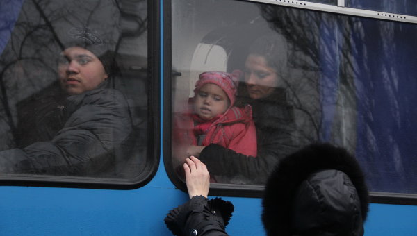 Доктор Лиза привезла на лечение в Москву девять детей из Донецка