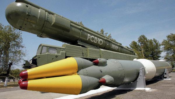 Ракетный комплекс средней дальности РСД-10 ПИОНЕР (по терминологии НАТО - SS-20). Архивное фото