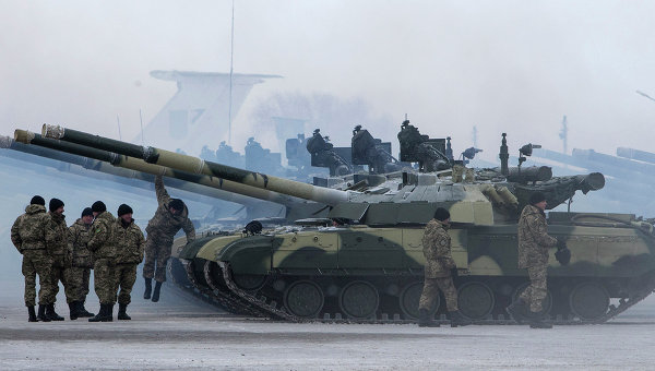 Украинские солдаты на военной базе