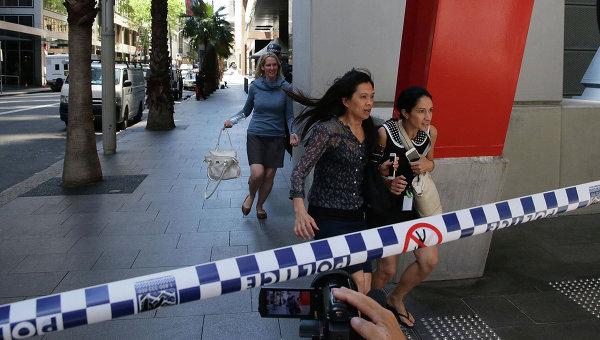 Эвакуация в связи с захватом заложников в одном из кафе в Сиднее