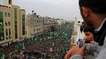 Сторонники движения ХАМАС во время митинга в Палестине. 12 декабря 2014