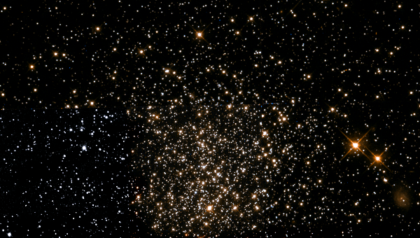 NGC 1651 - рассеянное скопление в созвездии Столовая Гора