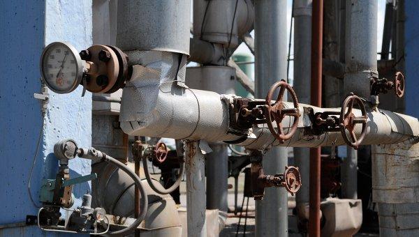 Отделение управления переработки газа около поселка в Харьковской области, Украина