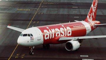 Самолет малайзийской авиакомпании Air Asia. Архивное фото