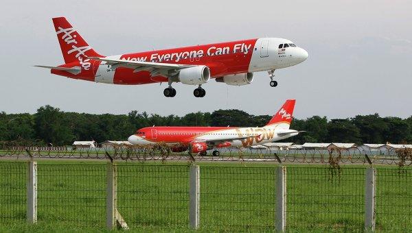 Самолет малайзийской авиакомпании Air Asia