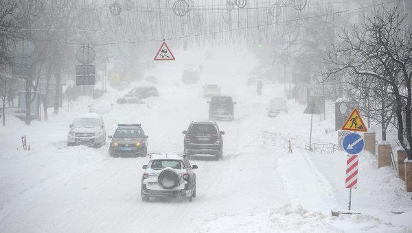 Снежные наносы на Украине. Архивное фото