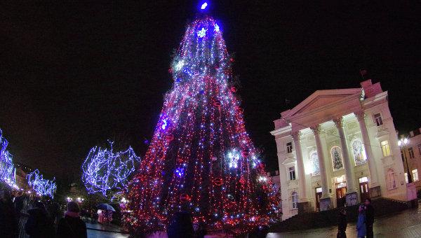 Открытие главной городской елки в Севастополе. Архивное фото