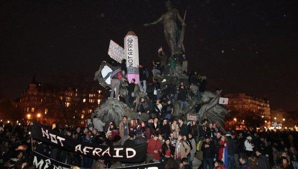 Марш памяти жертв терактов в Париже