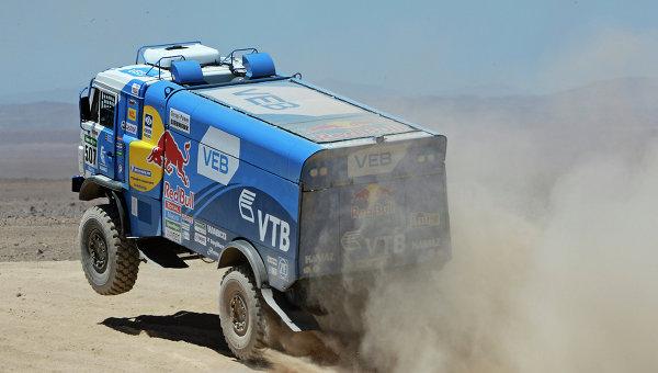 Автомобиль команды КАМАЗ-мастер под управлением Айрата Мардеева на этапе ралли Дакар 2015. Архивное фото