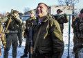 Александр Захарченко в районе аэропорта Донецка
