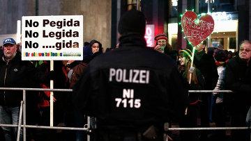 Протестующие против антиисламского движения в Лейпциге