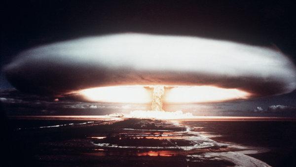 Испытания ядерного оружия. Архивное фото