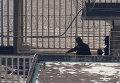 Полицейские в тюрьме на юге Тайваня, где покончили с собой шестеро заключенных