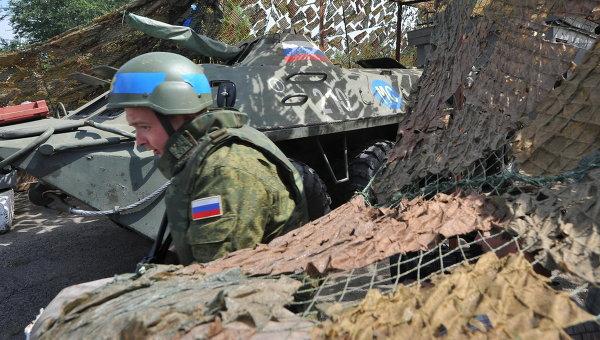 Российский миротворец на блокпосту. Архивное фото