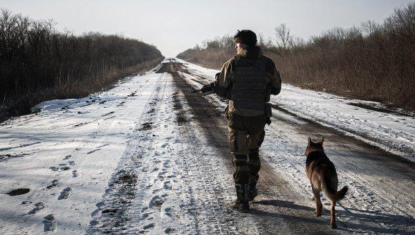 Ополченец ДНР в окрестностях Дебальцево Донецкой области. 20 февраля 2015