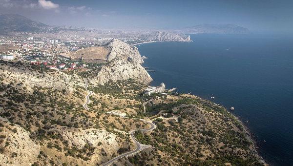 Вид на Судак, Крым. Архивное фото