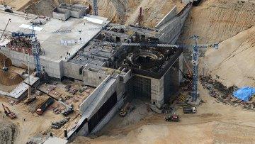Вид с борта вертолета на строительную площадку космодрома Восточный, архивное фото