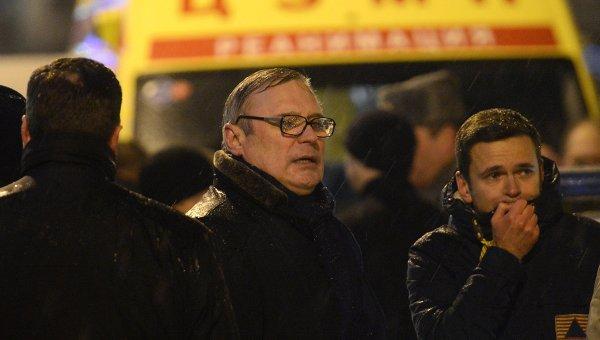 Михаил Касьянов и Илья Яшин на месте убийства политика Бориса Немцова
