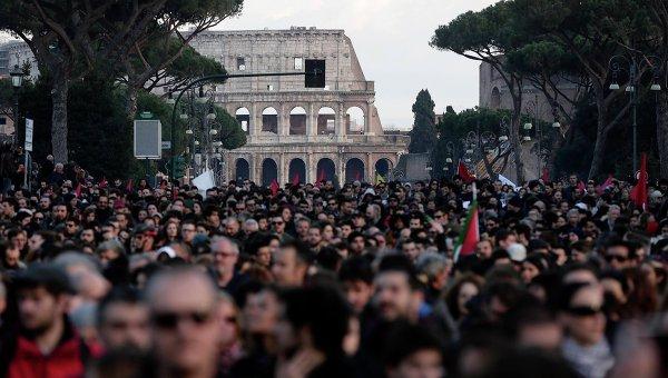 Митинг против политики, проводимой премьер-министром Италии Маттео Ренци, в центре Рима