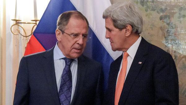 Министр иностранных дел России Сергей Лавров (слева) и государственный секретарь США Джон Керри