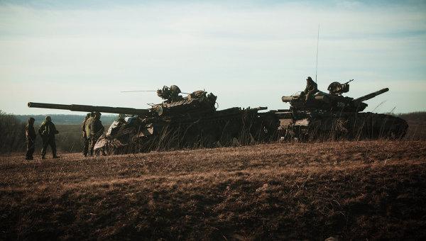 Танки Донецкой народной республики (ДНР) вблизи Дебальцево. Архивное фото