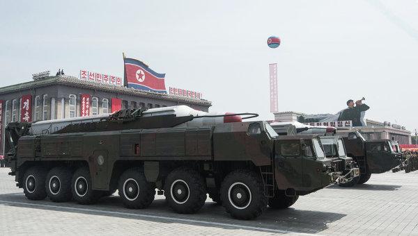 Военная техника в Пхеньяне, архивное фото