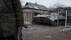 Бронемашина ополчения в Луганской области. Архивное фото