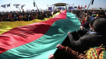 Курдский флаг. Турция. Архивное фото