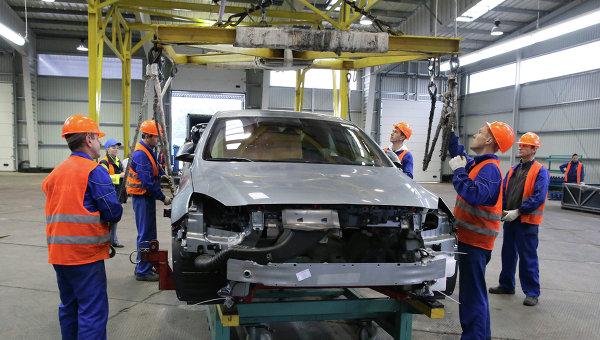 Производство автомобилей на предприятии Автотор. Архивное фото