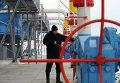 """Работник """"Нафтогаза"""" на газокомпрессорной станции """"Бобровницкая"""" Черниговской области, Украина"""