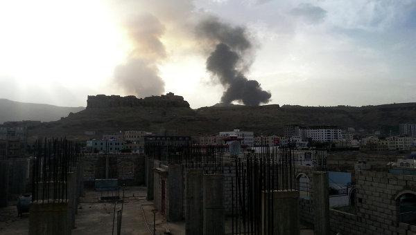 Операция коалиции против повстанцев-хуситов в Сане, Йемен. Архивное фото