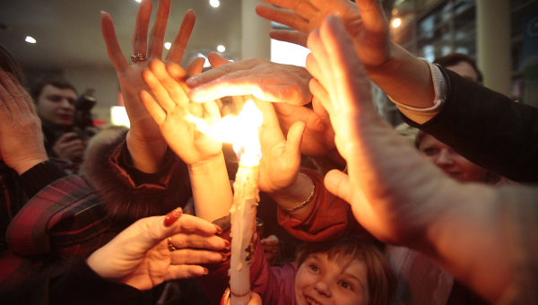 Встреча Благодатного огня из Иерусалима в аэропорту Внуково-1