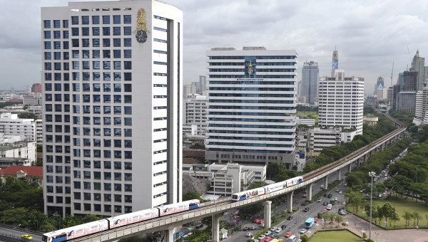 Поезд сошел с рельсов на юге Таиланда, семь человек погибли