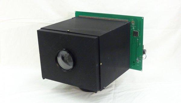 Фотография камеры, способной питать себя энергией света