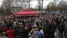 Сотни людей проводили в последний путь журналиста Олеся Бузину в Киеве