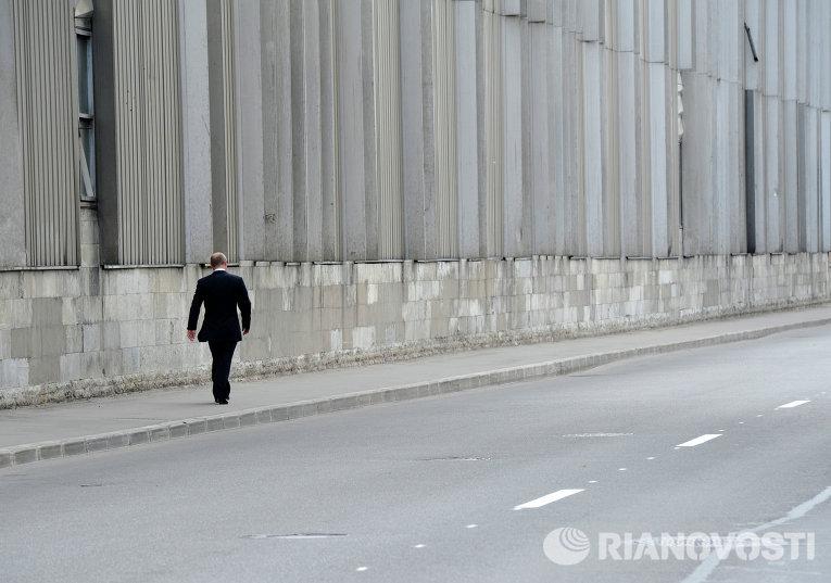 Президент России Владимир Путин после церемонии прощания с заслуженным тренером России по дзюдо Анатолием Рахлиным