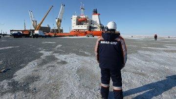 Строительство завода по производству сжиженного природного газа на Ямале, архивное фото