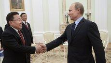 Президент России В.Путин встретился с президентом Монголии Ц.Элбэгдоржем. Архивное фото