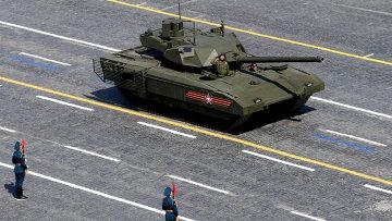Танк Т-14 на гусеничной платформе Армата во время военного парада в ознаменование 70-летия Победы в Великой Отечественной войне. Архивное фото