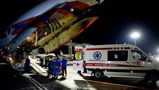 Самолет МЧС России доставил тяжелобольных детей из Донбасса на лечение в Москву