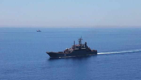 Большой десантный корабль Александр Шабалин во время совместных военных учений России и Китая в Средиземном море. Архивное фото