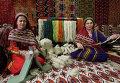 Стенд по производству ковров на выставке экономических достижений Туркменистана
