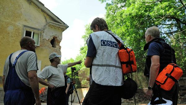 Представители ОБСЕ прибыли на место обстрела в Донецке. Архивное фото