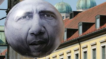 Воздушный шар с изображением лица президента США Барака Обамы в Мюнхене